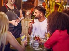 """""""ดื่มอย่างรับผิดชอบ"""" หนทางสู่การลดปัญหาจากแอลกอฮอล์อย่างยั่งยืน,ดื่มอย่างรับผิดชอบ,หนทางสู่การลดปัญหาจากแอลกอฮอล์อย่างยั่งยืน"""